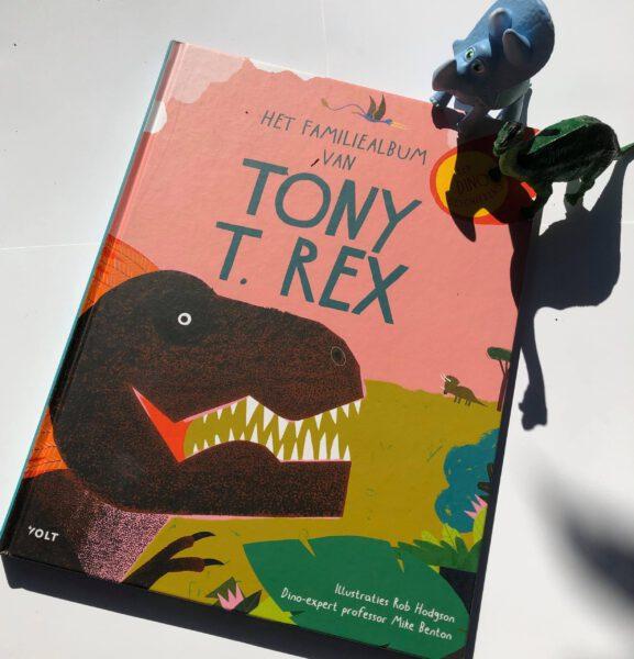 Het familiealbum van Tony T. Rex: een dinogeschiedenis