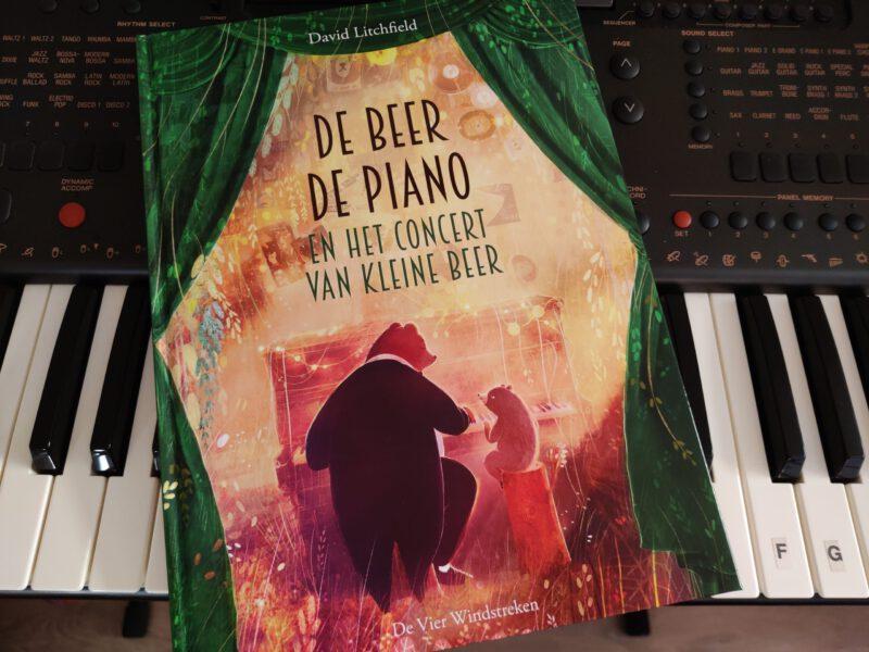 De beer, de piano en het concert van Kleine Beer.